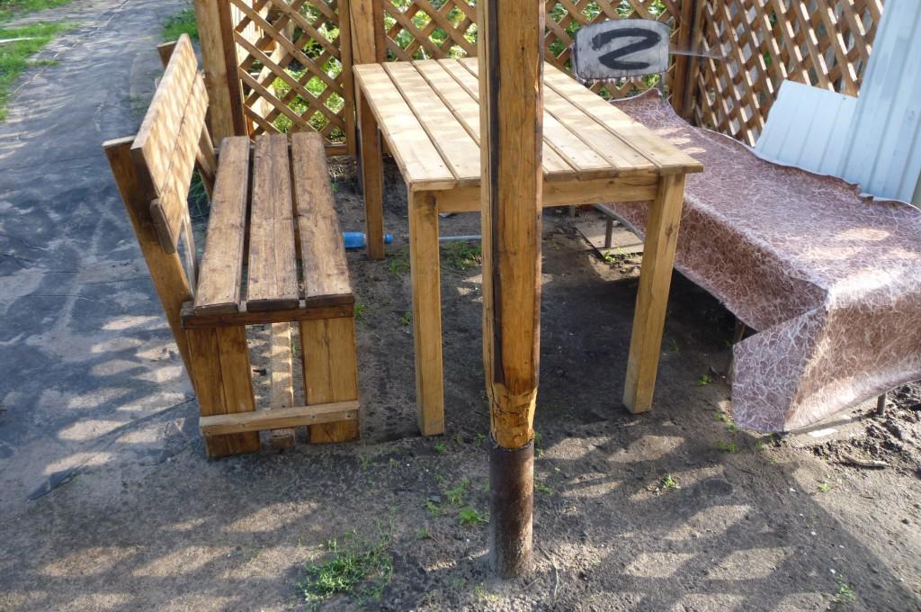 Незамысловатая но функцианальная скамья проста в изготовлении.