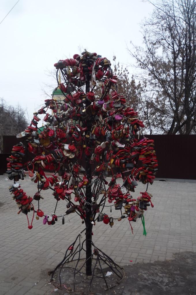 Свадебное дерево. Замки